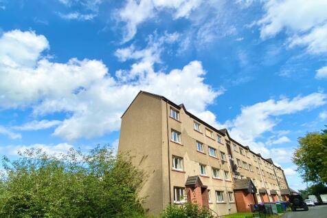 St Valery Court, Stirling Town, Stirling, FK7. 3 bedroom flat