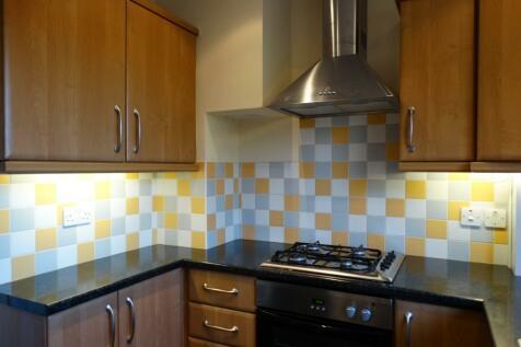 Fairoak Court, Tarring, Worthing, West Sussex, BN14. 2 bedroom flat