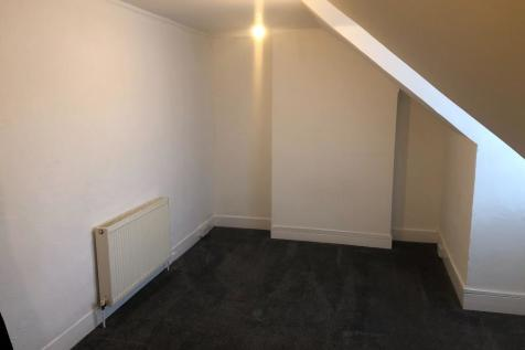 Warwick Road, Worthing, West Sussex, BN11. Studio flat