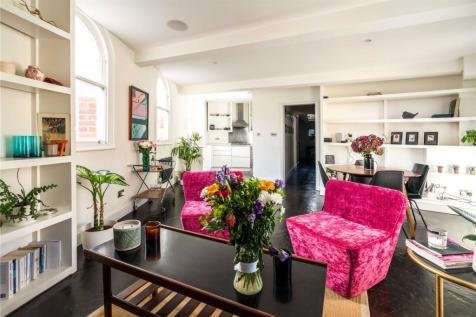 The Cloisters, 145 Commercial Street, Spitalfields, E1. 2 bedroom penthouse
