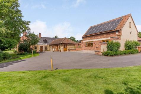 Main Road, Wyfordby. 5 bedroom equestrian facility