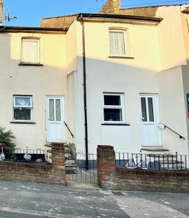 Canterbury Street, Gillingham, ME7. 2 bedroom terraced house