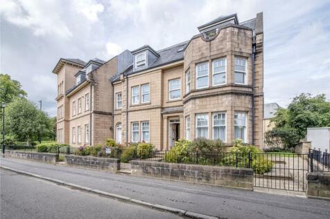 64 Victoria Place, Kings Park, Stirling, FK8. 3 bedroom flat