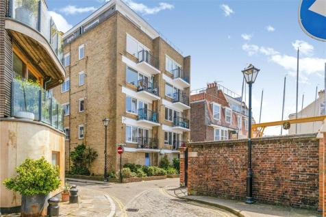 Spice Island House, 11 Broad Street, Portsmouth. 2 bedroom apartment