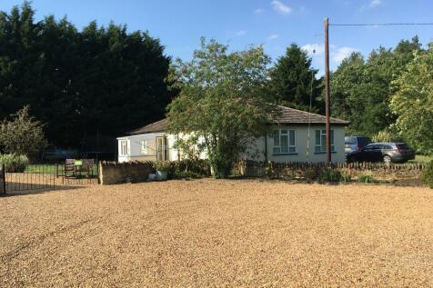 NN7. 3 bedroom detached house for sale