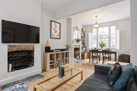 Columbia Road, London, E2. 3 bedroom terraced house for sale