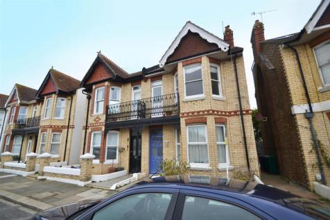 Marine Avenue, Hove, East Sussex, BN3 4LH. 2 bedroom maisonette