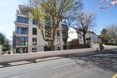 Blanche House, Dyke Road, Brighton, East Sussex, BN1 3GY. 2 bedroom flat