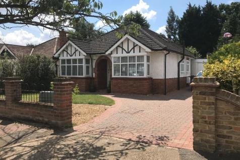 The Chase, Ickenham,UB10 8SS. 4 bedroom detached bungalow