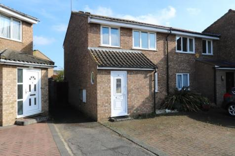 Narborough Close, Uxbridge, Greater London, UB10. 3 bedroom end of terrace house