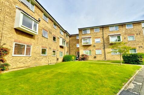 Aylsham Drive, Ickenham, UB10. 1 bedroom flat