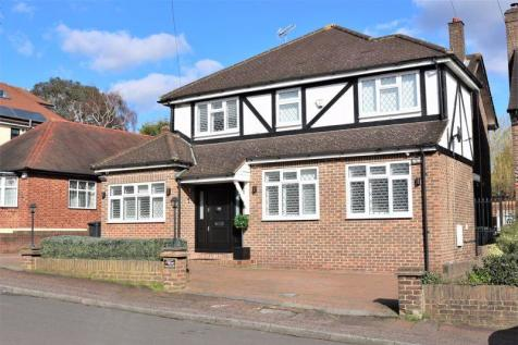Chester Road, Chigwell, Essex, IG7. 4 bedroom detached house for sale