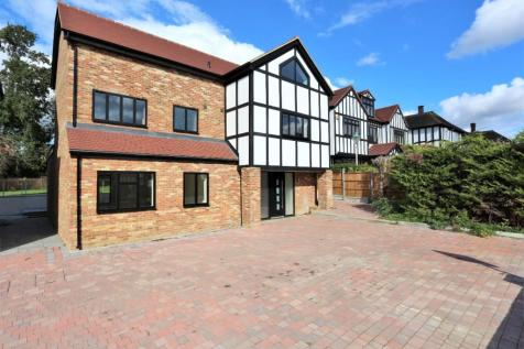 Meadow Way, Chigwell, Essex, IG7. 6 bedroom detached house for sale