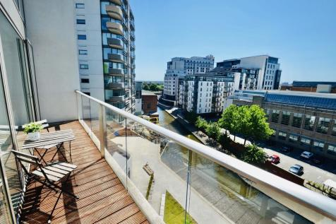 Nottingham One, Canal Street. 3 bedroom penthouse for sale