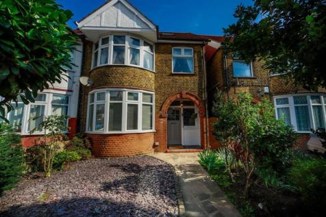 Southbury Road, Enfield. 4 bedroom end of terrace house