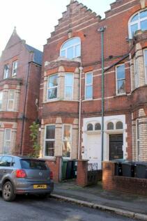 Haldon Road, Exeter, Devon, EX4 4DZ. 1 bedroom flat