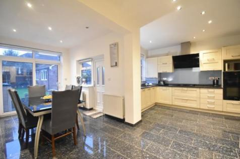 Delhi Road, London, EN1. 3 bedroom semi-detached house
