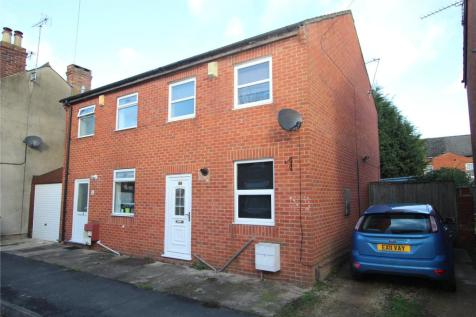 Robinhood Street, Gloucester, GL1. 2 bedroom semi-detached house