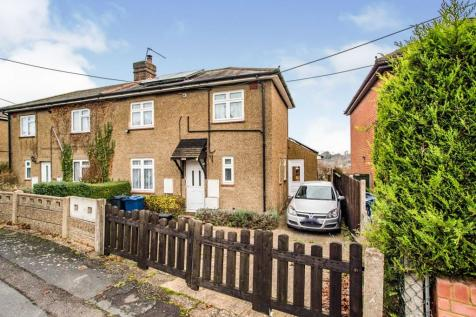 Overdale Road, Chesham. 3 bedroom semi-detached house for sale