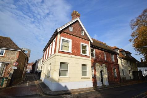 South Pallant, Chichester, PO19. 2 bedroom flat