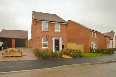 Hamilton Way, Westhampnett, Chichester, PO18. 3 bedroom detached house