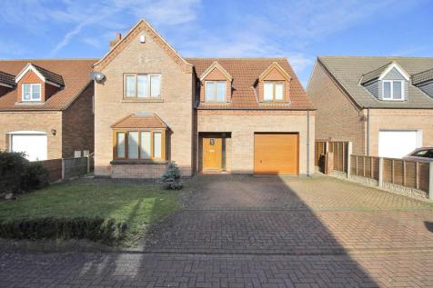 Astley Crescent, Scotter, Gainsborough. 4 bedroom detached house