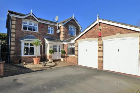 Muirfield Drive, Wakefield. 5 bedroom detached house