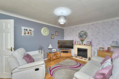 Foscote Rise, Banbury. 3 bedroom detached house