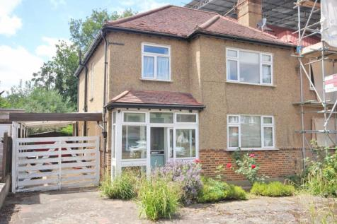 Pickhurst Park, Bromley. 3 bedroom semi-detached house