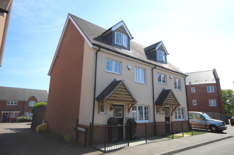 Abbess Terrace, Loughton. 3 bedroom town house