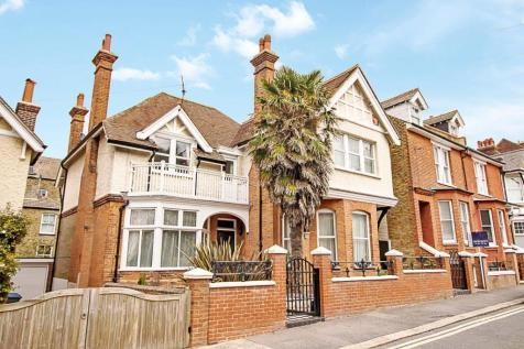 Stanley Road, Deal. 5 bedroom detached house