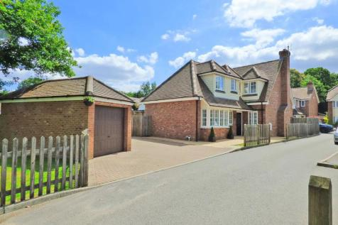 Nine Oaks Court, Kingswood, Maidstone. 4 bedroom detached house