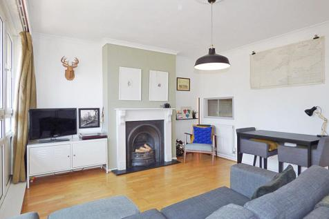 Fairfoot Road, London. 2 bedroom maisonette
