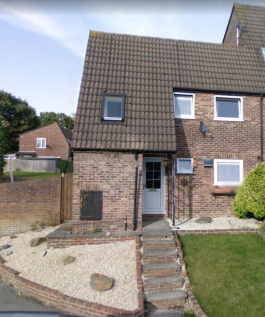 Lister Avenue, East Grinstead. 3 bedroom end of terrace house