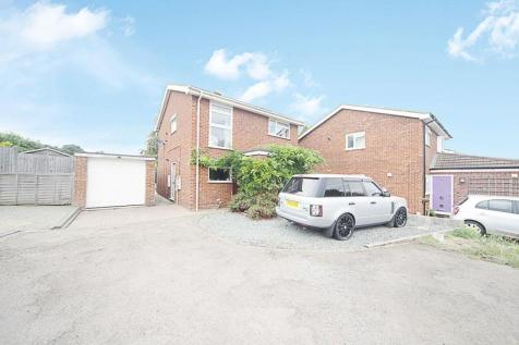 Meadowbank, Hitchin. 4 bedroom detached house