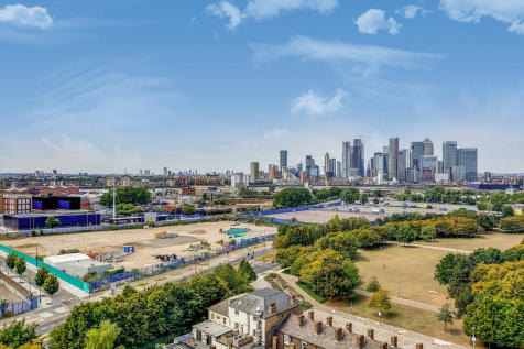 East Parkside, North Greenwich, SE10 0PP. 3 bedroom apartment for sale