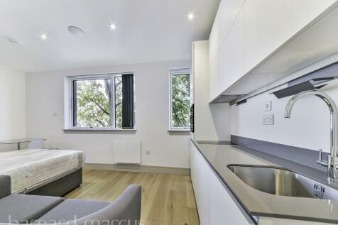 St Johns Road, ISLEWORTH. Studio apartment