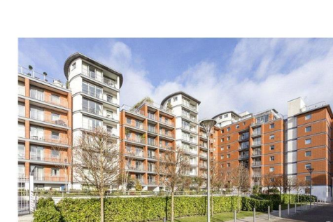 Holland Gardens, Brentford. 1 bedroom apartment
