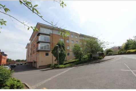 Centurion Court, Camp Road, St. Albans. 2 bedroom flat