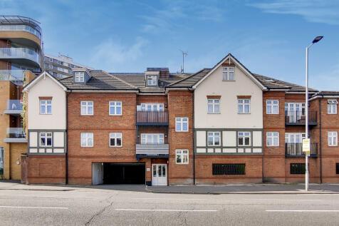 Cambridge Road, Kingston Upon Thames. 2 bedroom apartment