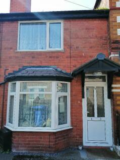 Henllan Street, Denbigh, Denbighshire, LL16. 2 bedroom terraced house