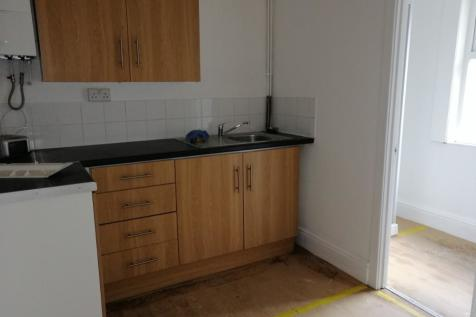 Warren Road, Rhyl, Denbighshire, LL18. 1 bedroom flat