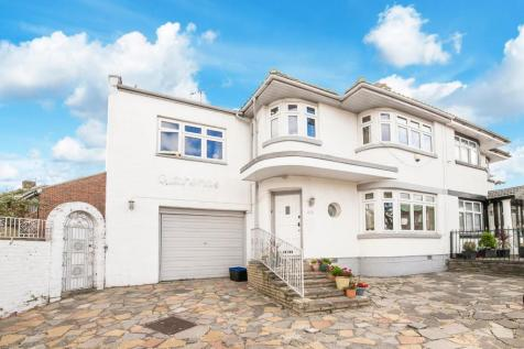 Herent Drive, Ilford. 4 bedroom house