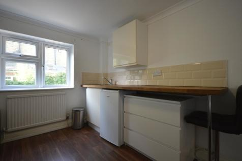 Leander Road London SW2. House share