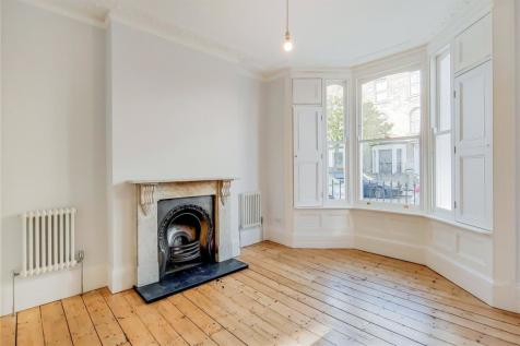 Dunlace Road, London, E5. 6 bedroom terraced house for sale