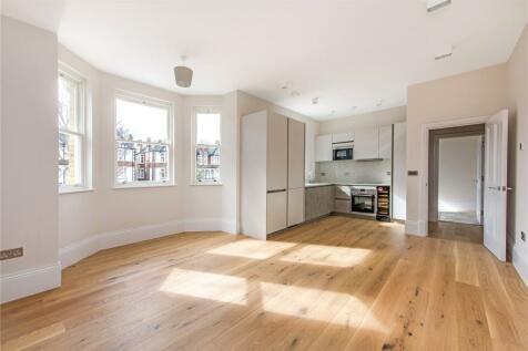 Uxbridge Road, Ealing Common, London, W3. 2 bedroom apartment