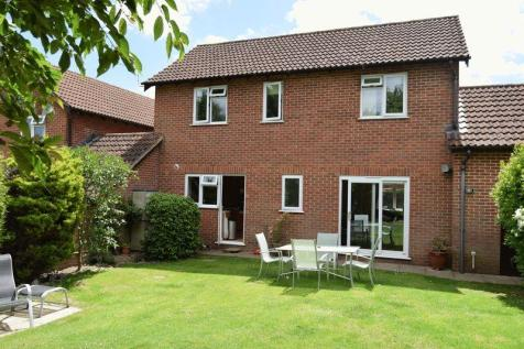 Beasley Court, Chard. 4 bedroom detached house