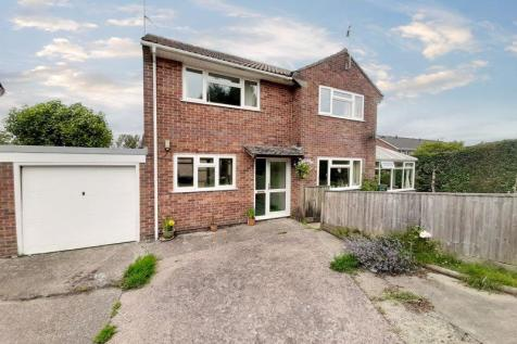 Lower Touches, Chard. 4 bedroom link detached house