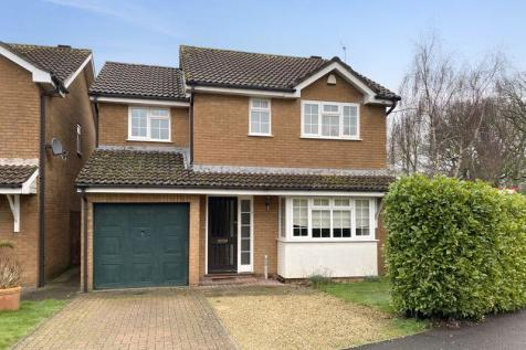 Barberry Drive, Chard. 4 bedroom detached house