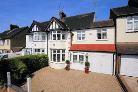 Hollywood Way, Woodford Green, Essex. 4 bedroom detached house